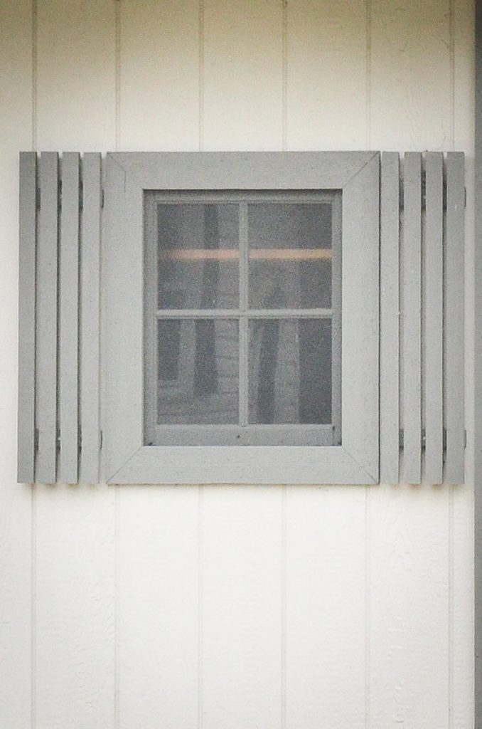 Storage shed window style in Indiana